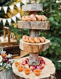 Caramel apples, pumpkin soup, cider – if the sounds of these yummy treats spark warm & fuzzy feelings, then prepare to fall in love with fall food stations.