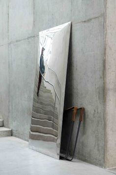 standing mirror / marble table    by Ben Storms (2013)  (photo Isabel Rottiers)