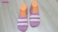 Crochet Braided Ladies Booties Making - Canım Anne Crochet Men, Crochet Braids, Easy Crochet, Free Crochet, Crochet Ideas, Booties Crochet, Crochet Baby Shoes, Crochet Slippers, Crochet Stitches For Beginners