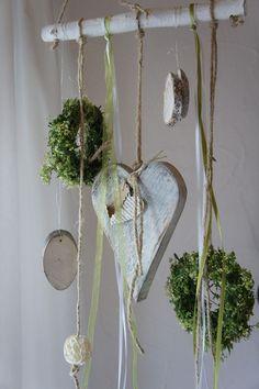Wie is er voorzichtig al bezig met wat voorjaars decoratie in huis? Bekijk hier 11 leuke voorjaars venster ideetjes! - Zelfmaak ideetjes
