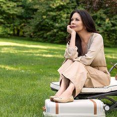 Nigella Lawson, Catherine Zeta Jones, Chanel Boy Bag, Shoulder Bag, Celebrities, People, Beauty, Crushes, Style