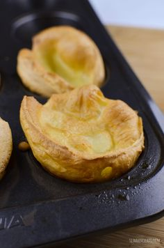 Slimming Eats 1 syn Yorkshire Puddings - dairy free, vegetarian, Slimming World and Weight Watchers friendly Slimming World Syn Calculator, Slimming World Free, Slimming World Syns, Slimming Eats, Slimming World Recipes, Syn Free Gravy, How To Make Yorkshire Pudding, Sliming World, Cooking Recipes