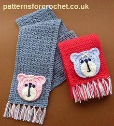 Free crochet pattern for child's scarf crochet pattern http://patternsforcrochet.co.uk/motif-scarf-usa.html #patternsforcrochet #freecrochetscarfpatterns