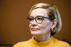 Sisäministeri Paula Risikko (kok) on toiminut ministerinä 3 359 päivää. Risikon sopeutumiseläke on keväällä 2019 noin 6 200 euroa kuukaudessa.