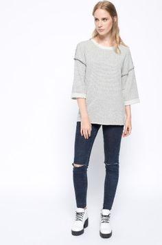 Zobacz produkt Medicine - Bluza Heritage kolor szary  RW15-BLD604w oficjalnym sklepie odzieżowym online marki MEDICINE. Dostawa w 24h - dzisiaj zamawiasz, jutro przymierzasz. Zapraszamy do zakupów.