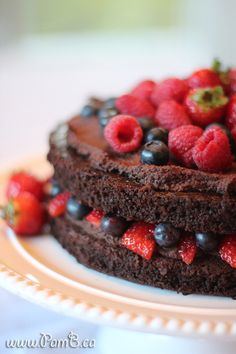 Bolo de Chocolate de Quinoa sem Glúten e sem Lactose (Naked Cake)