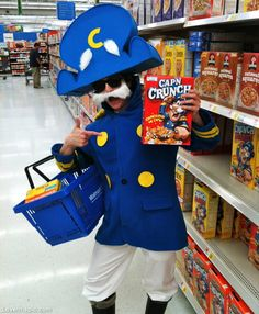 Realistic Cap'n Crunch Homemade Halloween Costume Halloween Costumes You Can Make, Homemade Halloween Costumes, Halloween Costume Contest, Creative Halloween Costumes, Couple Halloween, Halloween Fun, Costume Ideas, Diy Costumes, Group Costumes