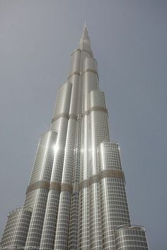 15 Attractive Buildings and Structures Around the World Beautiful Architecture, Architecture Details, Modern Architecture, Dubai Hotel, Dubai Uae, Dubai Trip, Best Hotel Deals, Best Hotels, Beautiful Castles