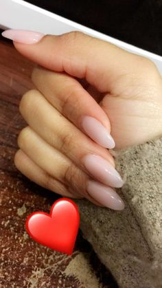 Almond shaped Essie Gel (E2) Nails