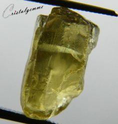 Cristal d'apatite jaune de 14.10 carats