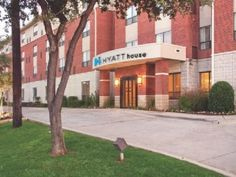 Dallas (TX) Hyatt Summerfield Suites Dallas Uptown Hotel United States, North America Located in Uptown, Hyatt Summerfield Suites Dallas Uptown Hotel is a perfect starting point from which to explore Dallas (TX). Featuring a complete list of amenities, guests will find their stay at the property a comfortable one. Take advantage of the hotel's elevator, meeting facilities, laundry service/dry cleaning, pets allowed, disabled facilities. Each guestroom is elegantly furnished an...