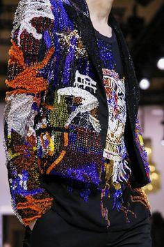Balmain Menswear Fall Winter 2018 - 2019 | El Blog De Akío Balmain, High Fashion, Mens Fashion, Blazers, Denim Jacket Men, Fashion Forever, Fashion Details, Fashion Forward, Christmas Sweaters