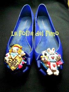 Le follie del fimo - Scarpette handmade Alice nel Paese delle Meraviglie in fimo Keds, Sneakers, Creative, Shoes, Fashion, Fimo, Tennis, Moda, Slippers