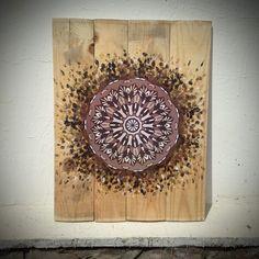 mandala as hose decoration Patio Yard Ideas, Mandala Art, Tree Branches, Painting On Wood, Art Drawings, Decorative Plates, Art Pieces, Arts And Crafts, Wall Art