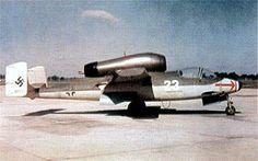 Heinkel He 162 während des Nachfliegens in den USA