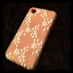 A DIY lace cover cell phone case. Take an old plain case and give it a new look. SO cute!