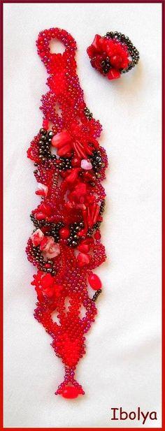 Red Beaded Cuff Bracelet, Freeform peyote bracelet, Beadwork, Seed bead jewelry.