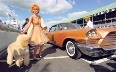 How to dress for the Goodwood Revival of Speed. Colour co-ordinated: do ensure that your hair and pooch do not clash with your car Vintage Outfits, Vintage Fashion, Goodwood Revival, Sassy Girl, Retro Baby, Vintage Branding, Chiffon Dress, Rockabilly, Vintage Cars