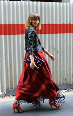 Street Style | Paris Fashion Week source: Vogue More like this at Street Style Chic