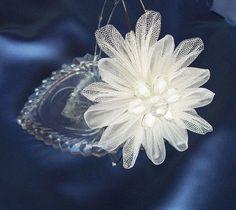 Ivory Wedding Brooch, Silk Organza Tulle Floral Brooch, Bridesmaid brooch, Bridal Fabric Flower Kanzashi Brooch Pin