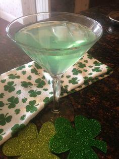 FUZZY APPLE * green VODKA cocktail