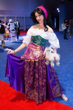 Httpjime samaiantartartstranger esmeralda cosplay 15 amazingly over the top female cosplayers from disneys expo solutioingenieria Choice Image