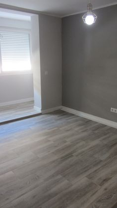 VA Home Renovation Trendy bedroom grey walls wood floor living rooms ideas Zucchini: A Powe Living Room Wood Floor, Living Room Flooring, Bedroom Flooring, Living Rooms, Bedroom Wood Floor, Grey Walls Living Room, Grey Laminate Flooring, Grey Wood Floors, Plank Flooring