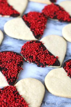 Black and White Heart Shaped Sugar Cookies - the perfect Valetine's Day cookie - tinaschic.com