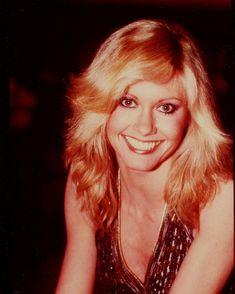 Olivia Newton John Young, Blond, Stephanie Tanner, Divas, Still Love Her, John Travolta, Hollywood Celebrities, Celebrity Photos, Actors & Actresses