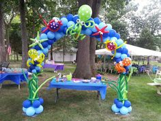 under the sea balloon centerpieces