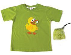 DUCK T-SHIRT | CHILDREN Interactive t-shirt This cute little duck is waiting for a meal of delicious worms!  (Includes bag with three worms. The duck is hollow in order to swallow them!)  Sizes from 12 months to 6 years old.