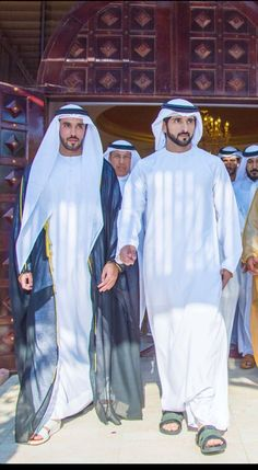 World Handsome Man, Dubai, Royal Family Pictures, Handsome Prince, My Prince Charming, Princess Kate, New Life, Famous People, Beautiful Men
