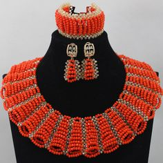 Old abuja connection Bead Design African Necklace, African Beads, African Jewelry, Bead Jewellery, Beaded Jewelry, Costume Africain, Nigerian Beads, African Accessories, Collars For Women