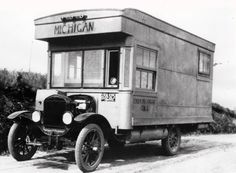 Image: 1920s homeade RV (© Al Hesselbart/RV/MH Hall of Fame and Museum)
