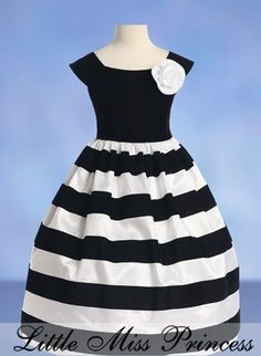 Search results for: 'toddler little girl grey black stripe holiday party pageant dress 2 Little Girl Fashion, Little Girl Dresses, Kids Fashion, Girls Dresses, Flower Girl Dresses, Flower Girls, 50s Dresses, Fashion News, Girls Party Dress