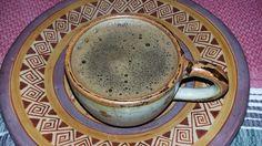 Ya sea frío o caliente, siempre es reconfortante un café La FLOR de Suchitlán. Qué tal en QuisQueya eco-arte-café a partir de las 9 pm. ¡Nos encanta!