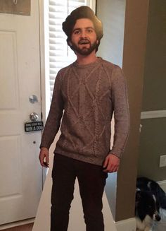Going off to school isn't just hard on the student that has to leave, it's hard on the entire family. Dalton Ross decided to combat the fact that he was going to school overseas with a little gift: A full-sized cardboard cutout of himself.