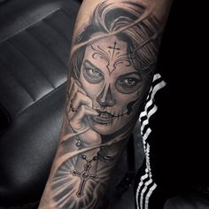 Sugar skull girl tattoo done on this guy today. Really enjoy doing this custom realism black and grey tattoo in Fayetteville NC old school frases hombres hombres brazo ideas impresionantes japoneses pequeños tattoo Elbow Tattoos, Cool Forearm Tattoos, Hand Tattoos, Girl Tattoos, Chicano Tattoos Sleeve, Best Sleeve Tattoos, Tattoo Sleeve Designs, Girl Tattoo Placements, Girls With Sleeve Tattoos