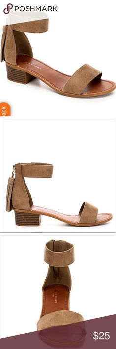 Zigi suede tan sandals! Gorgeous sandals with a 1 inch heel. Excellent used condition! Minimal signs of wear! Check out my other listings, bundle and save! Zigi Soho Shoes Sandals