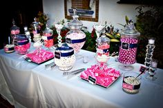 love this candy table