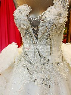 A-line One Shoulder Cascading Ruffle Court Train Tulle Sequin Crystals And Beading Wedding Dresses With Big Flowers Gorgeous Wedding Dress, New Wedding Dresses, Beautiful Dresses, Nice Dresses, Bridal Lace, Bridal Gowns, Glamour, Bridle Dress, Moda Vintage