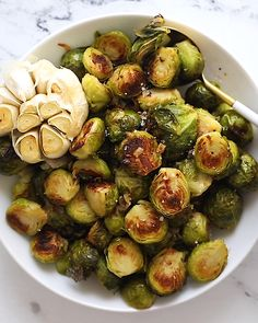 A roasted Brussels sprouts recipe that will get you crispy, caramelized Brussels sprouts every time! #brusselsprouts #vegetable #vegan #healthyside