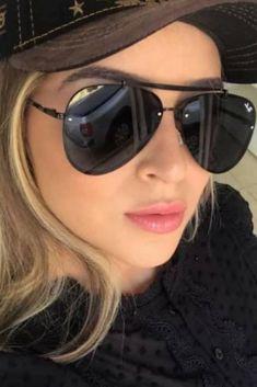 Ray Ban Mujer, Ray Ban Sunglasses, Mirrored Sunglasses, Selfies, Fashion Eye Glasses, Sunglass Frames, Fashion Lookbook, Eyewear, Ray Bans