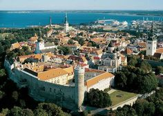 In Europe Tallinn is the capital of Estonia. It lies on the Gulf of Finland, the Baltic Sea, about 80 kilometers south of Helsinki. Places To Travel, Places To See, Travel Destinations, Travel Tours, Time Travel, Helsinki, Bósnia E Herzegovina, Baltic Cruise, Estonia Travel