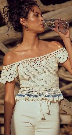 61 Stylish and Cute Crochet Top Pattern Ideas for Summer! Part crochet top pattern; crochet top plus size; Black Crochet Dress, Crochet Blouse, Crochet Summer Tops, Crochet Tops, Knit Crochet, Crochet Granny, Crochet Baby, Mode Crochet, Crochet Clothes