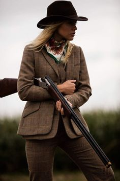 Clare Shaw Scarf Country Wear, Country Girls Outfits, Country Dresses, Country Fashion, Country Chic, Tweed Suits, Tweed Blazer, Hunting Equipment, Hunting Clothes