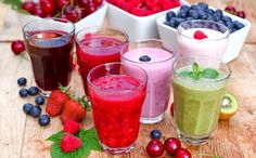 Fruit smoothies are a popular refreshment not only for adults but even for the little ones as well. With their natural sweet flavors, it is no wonder that many children love fruit smoothies and can… Smoothie Proteine, Avocado Smoothie, Energy Smoothies, Good Smoothies, Organic Smoothies, Breakfast Smoothies, Superfood Smoothies, Healthy Drinks, Smoothie Detox