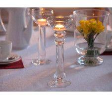 Przekąski z ciasta francuskiego na 5 sposobów (przepisy) - Pieknowdomu.pl Fountain, Candle Holders, Menu, Candles, Table Decorations, Impreza, Food, Menu Board Design, Essen