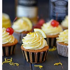 These Whiskey Cupcakes have whiskey and lemon sour in the actual cake, which is topped by lemon frosting and cherries. Cupcake Flavors, Cupcake Recipes, Baking Recipes, Dessert Recipes, Cupcake Ideas, Baking Ideas, Baking Cupcakes, Yummy Cupcakes, Cupcake Cakes