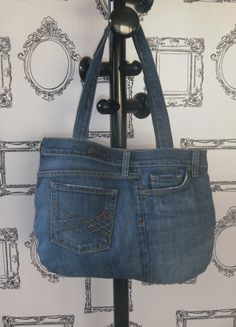 Recycled denim bag by madeindenim on Etsy Denim Bag, Denim Shorts, Denim Ideas, Recycled Denim, Jeans, Baskets, Recycling, Sewing, Trending Outfits